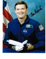BRUCE MELNICK NASA Astronaut STS-41 and STS-49 genunie signed 10 by 8